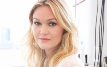 The €280 maternity wedding dress that Julia Stiles wore on her big day