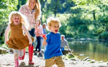 20 Easy Ways To Make Your Family Weekends AWESOME (Without Blowing The Budget)