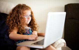 Tips for keeping your child safe online that ALL parents should know