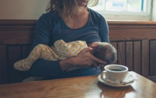 Dad goes viral for brilliant response after daughter tries to shame breastfeeding mum