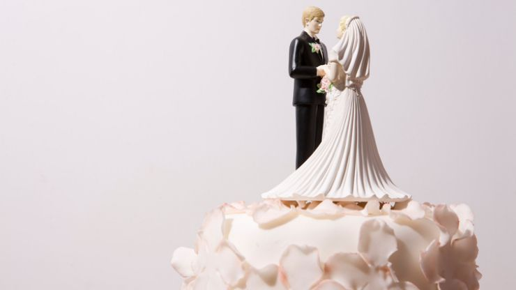 Bride furious as wedding guest asks for gift back months later