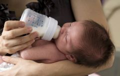 Study reveals the effects of giving a breastfed baby a little formula milk