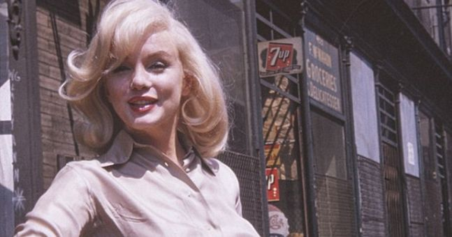 Some believe these vintage photos prove Marilyn Monroe was pregnant