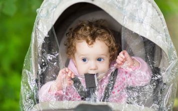 Expert says parents should use pram covers to avoid harmful air pollution