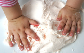 This three-ingredient fairy dough will keep the kids busy for HOURS