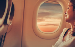This viral thread about two strangers (maybe) falling in love on a plane is too cute