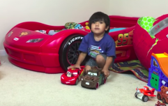 This six-year-old boy makes over €9m a year... on YouTube