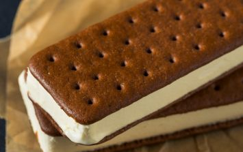 Baileys ice cream sandwiches are a thing and we really want one