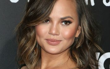 The way Chrissy Teigen looks in the week after giving birth is actually very refreshing