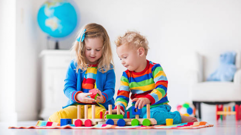 Older siblings can be more influential to kids than parents, study finds