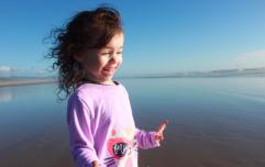 Mum's warning as daughter steps on hot sand causing her skin to start 'falling off'