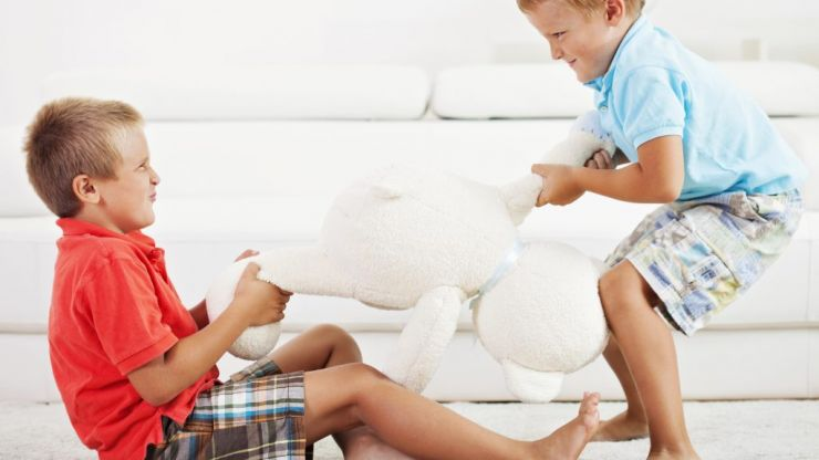 Parenting expert shares 6 tips to stop your kids fighting with each other