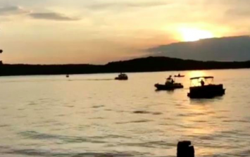 At least 11 dead after 'duck boat' capsizes in Missouri