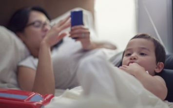 Parents' use of technology linked to behaviour problems in kids, study finds
