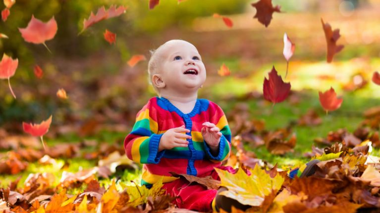 8 gorgeous autumnal baby names beginning with the letter 'A'