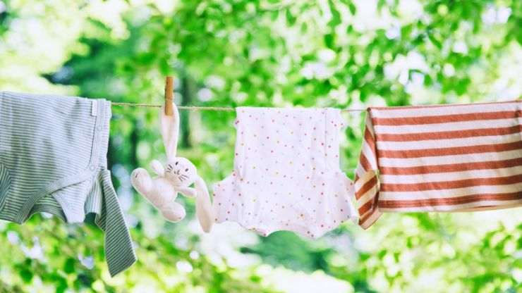 We found the perfect laundry hack that will help you get grease stains off clothes
