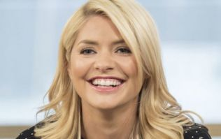 Holly Willoughby just wore a fab (and very flattering) swimsuit