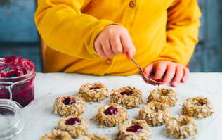 3 seriously clever rules French mums teach their children