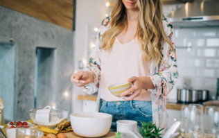 11 things pregnant mamas need to know about eating for two