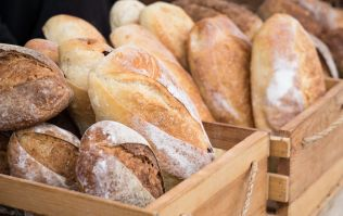 Folic acid should be added to all bread and flour, claims study
