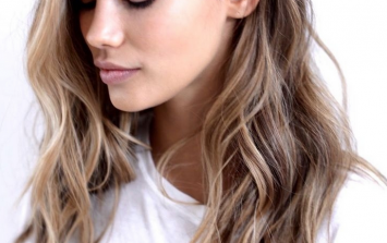 These gorgeous, relaxed beach waves take less than 5 minutes to make