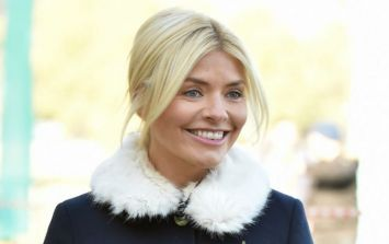 Holly Willoughby's wearing a wide-legged cropped jean today and they look super comfy