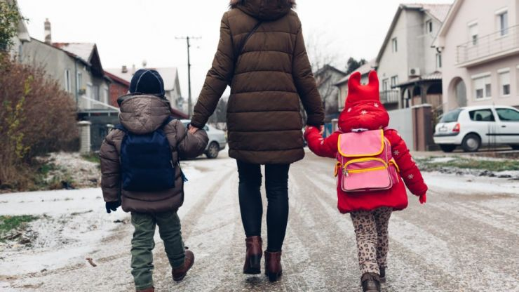 4 ways to help teach your child to be grateful and kind to others