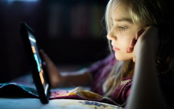 Five major signs your child needs less screen time
