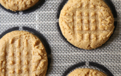 The 4-ingredient peanut butter cookie recipe perfect for weekend baking