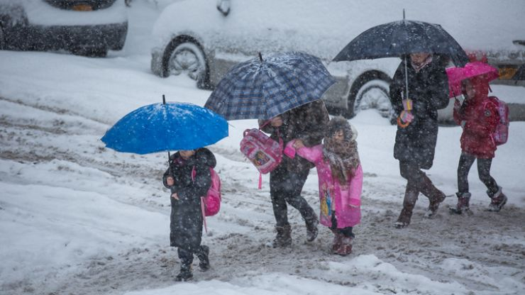 Breaking: Schools may remain CLOSED on Monday due to continued bad weather