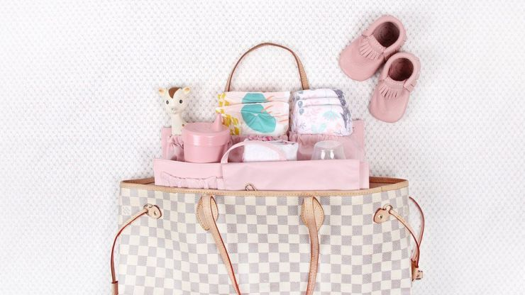 Packing your nappy bag: The 10 most important things to include