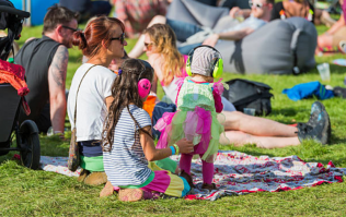 Every parent should know this simple trick for keeping their child safe in a crowd
