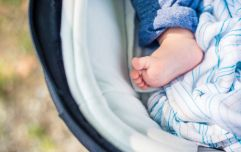This mum is FED UP with people commenting on her child's bare feet