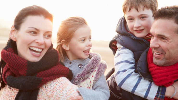 9 excellent travel tips that will save your sanity when flying with children