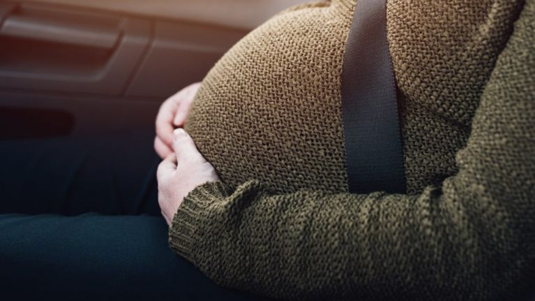 The safest way to wear a seatbelt correctly when you are pregnant