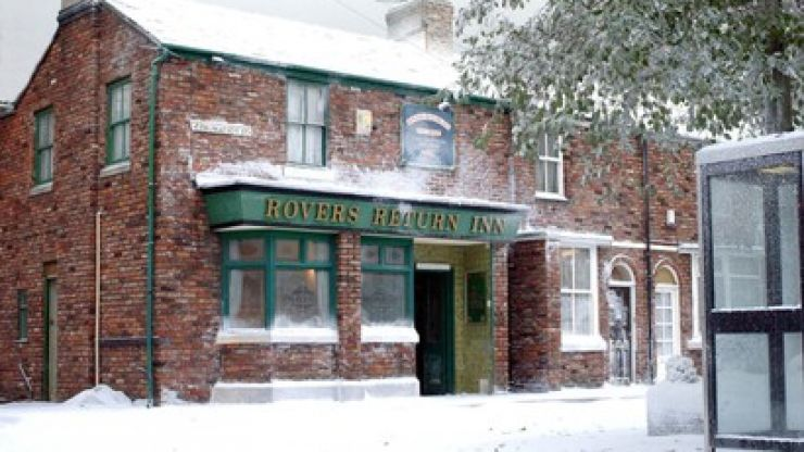 Coronation Street have shared the first preview of the Christmas episodes