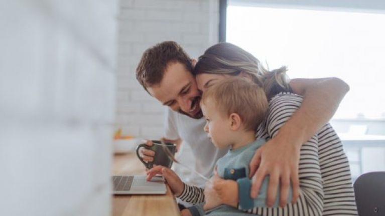 Hungarian citizens asked to fill out questionnaire ahead of new family policies