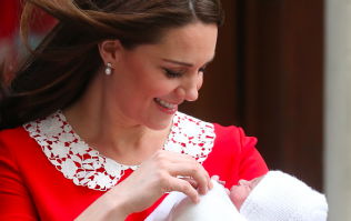 These ADORABLE photos show that Prince Louis looks exactly like his mum Kate