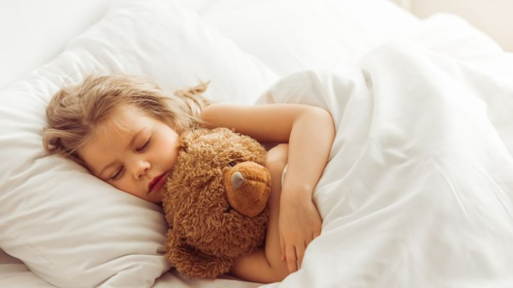 Study says that giving your child a strict bedtime has a whole host of benefits