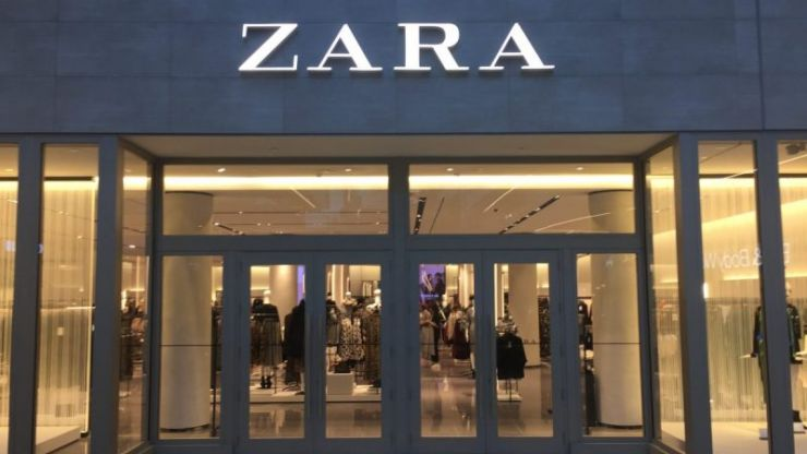 This stunning Versace-inspired Zara dress is down to €40 in the sale