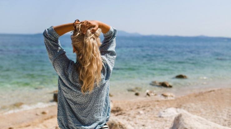 3 easy hacks for gorgeous, bouncy beach waves - without using heat
