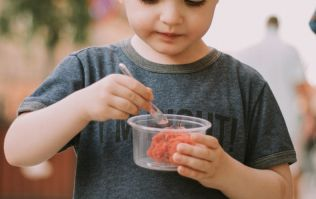 Picky eaters: Parents are now using a very disturbing method to get their kids to eat