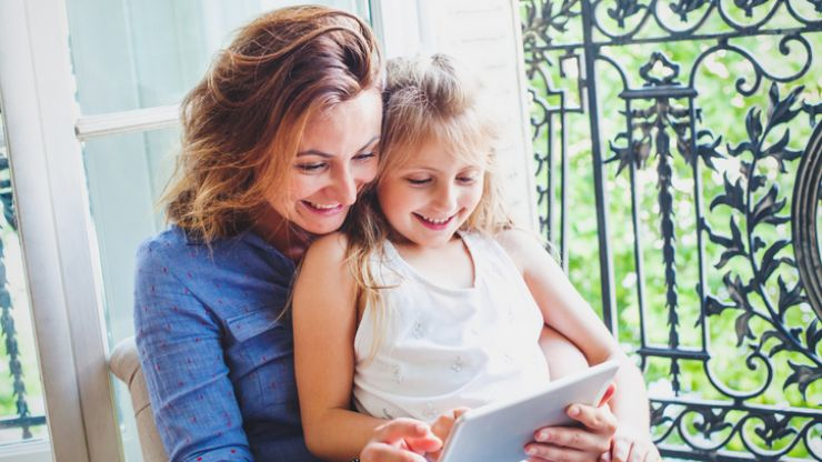 3 small (but simple) parenting tricks we should be taking from French parents