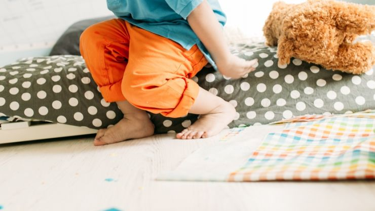 8 effective ways to help settle a toddler tantrum
