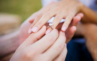 The wedding ring trend that's becoming very popular with Irish couples
