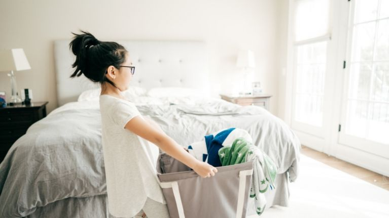 5 easy ways to motivate your kids to help clean their rooms