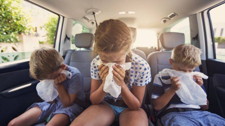 Roadtrip with kids: 3 tried-and-tested tips for avoiding car sickness