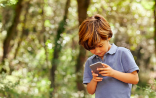 Children who own phones younger are less likely to do well in tests