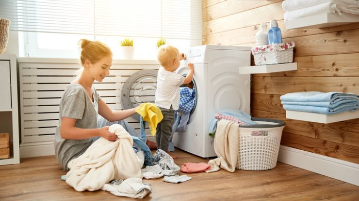 Stay at home mums should earn €142,000 according to this study
