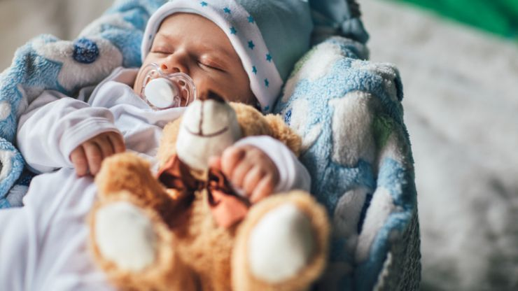 The super simple trick that might be the key to getting your baby to sleep more at night